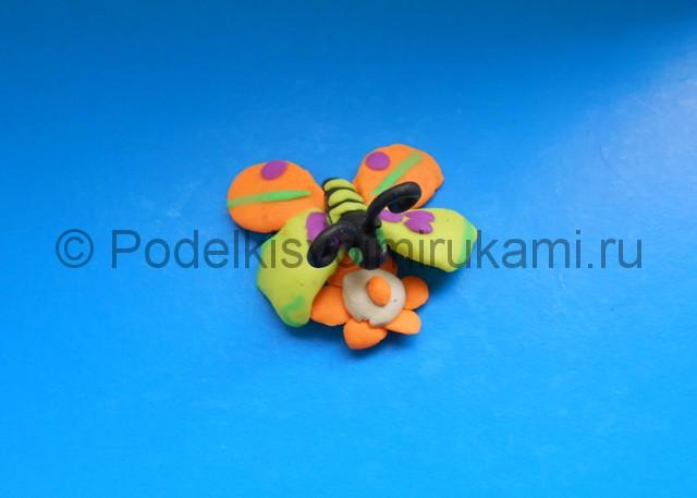 Лепка бабочки из пластилина. Итоговый вид поделки №2.