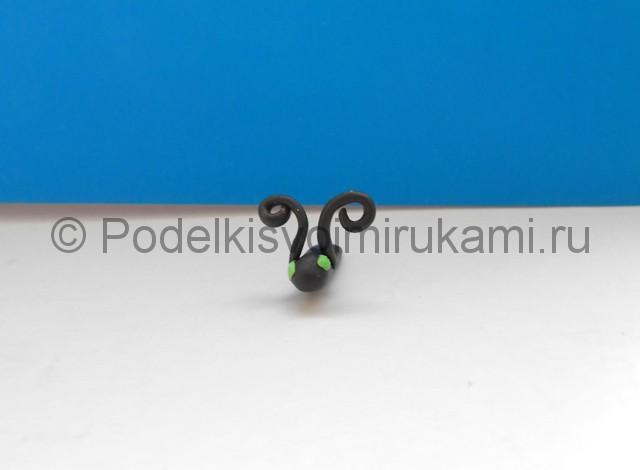 Лепка бабочки из пластилина. Шаг №4.