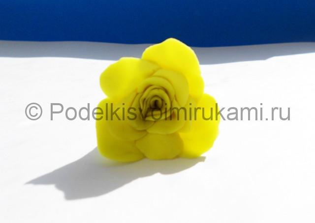 Лепка жёлтой розы из пластилина. Шаг №5. Фото 5.3.