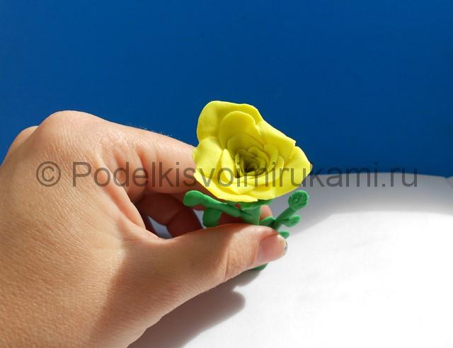Лепка жёлтой розы из пластилина. Шаг №7. Фото 7.1.