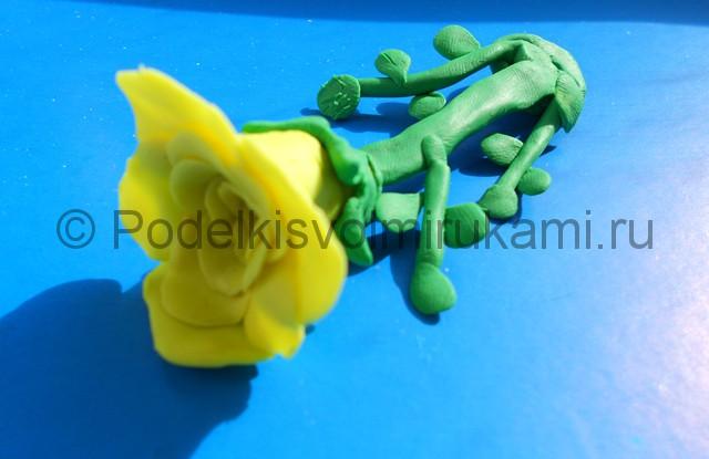 Лепка жёлтой розы из пластилина. Шаг №7. Фото 7.2.