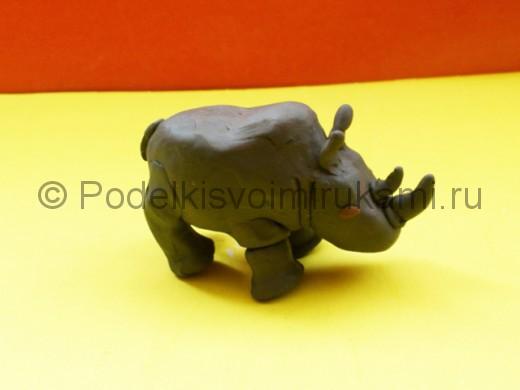 Носорог из пластилина. Итоговый вид поделки.