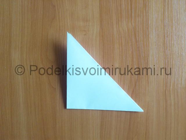 Объемная белая снежинка из бумаги. Шаг №4.