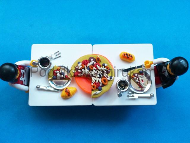Пицца из пластилина. Итоговый вид поделки. Фото 2.
