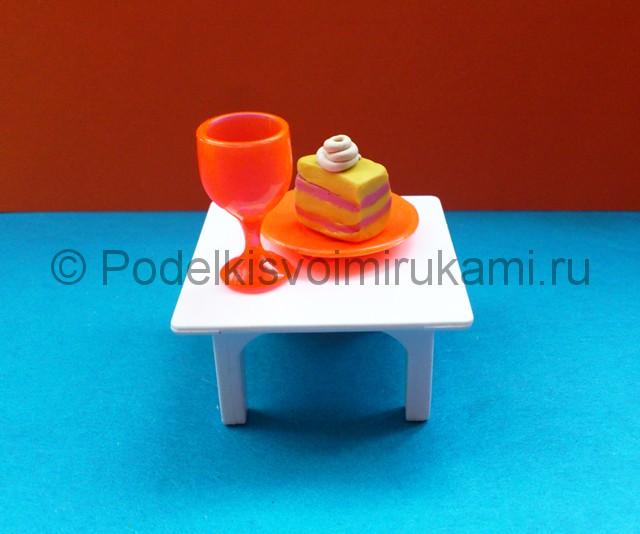 Пирожное из пластилина. Итоговый вид поделки. Фото 1.