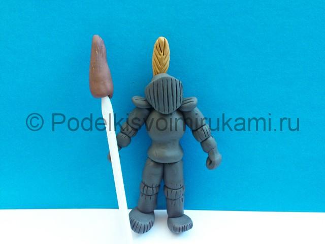 Рыцарь из пластилина. Итоговый вид поделки. Фото 1.