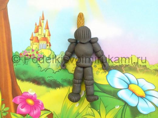 Рыцарь из пластилина. Итоговый вид поделки.