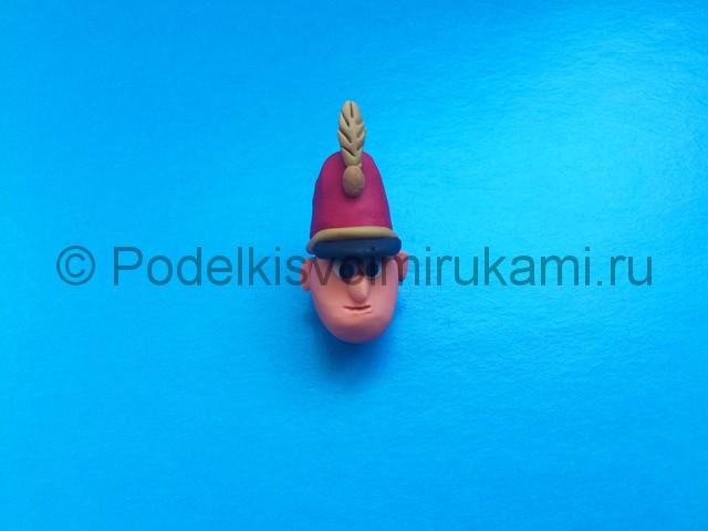 Солдатик из пластилина. Шаг №7.