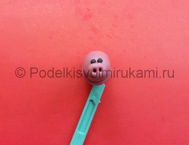 Свинка из пластилина. Шаг №6.