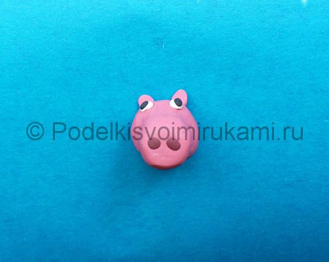 Свинка Пеппа из пластилина. Шаг №5.