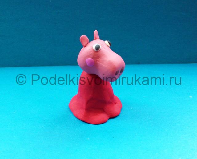 Свинка Пеппа из пластилина. Шаг №7.