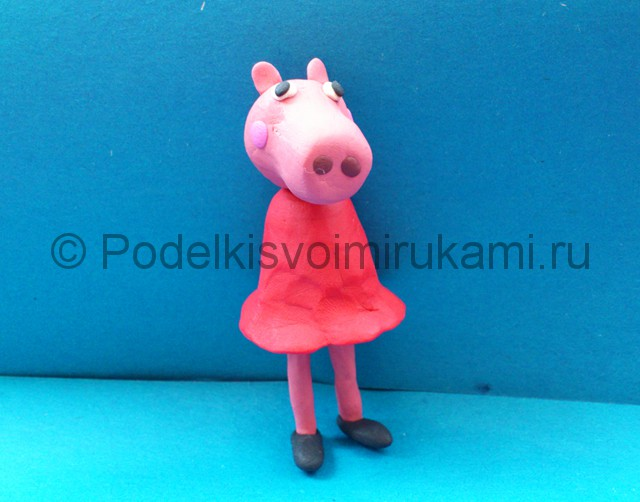 Свинка Пеппа из пластилина. Шаг №8.