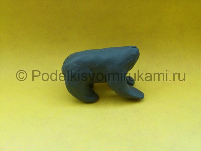 Волк из пластилина. Поэтапный урок лепки. Шаг №6.