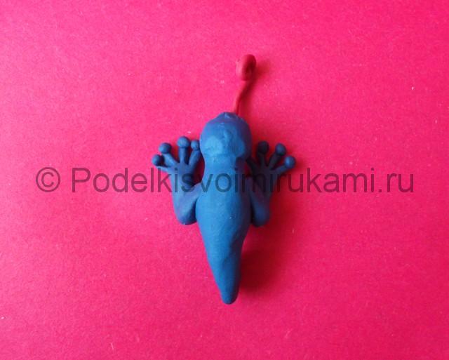 Хамелеон из пластилина. Шаг №6.