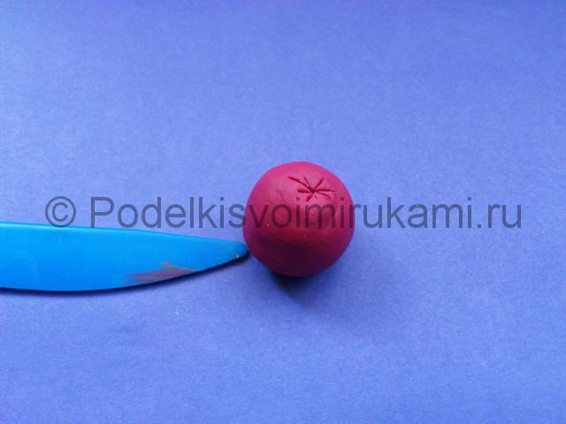Яблоко из пластилина. Шаг №4.