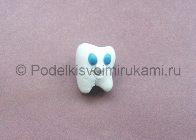 Зуб из пластилина. Урок лепки. Шаг №5.