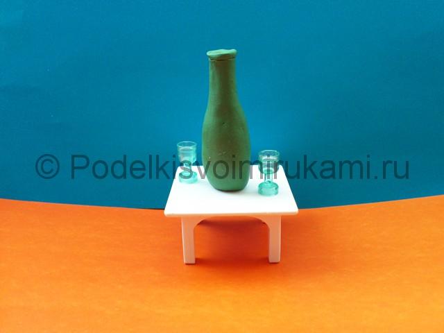 Лепка бутылки из пластилина. Итоговый вид поделки.