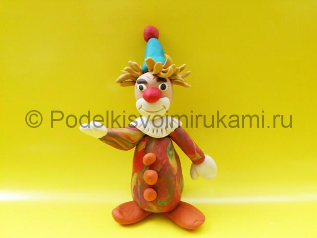 Лепка клоуна из пластилина. Итоговый вид поделки. Фото 1.