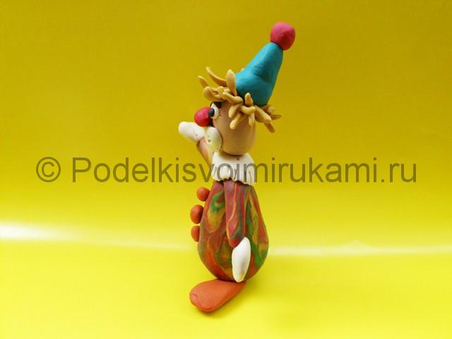 Лепка клоуна из пластилина. Итоговый вид поделки. Фото 2.