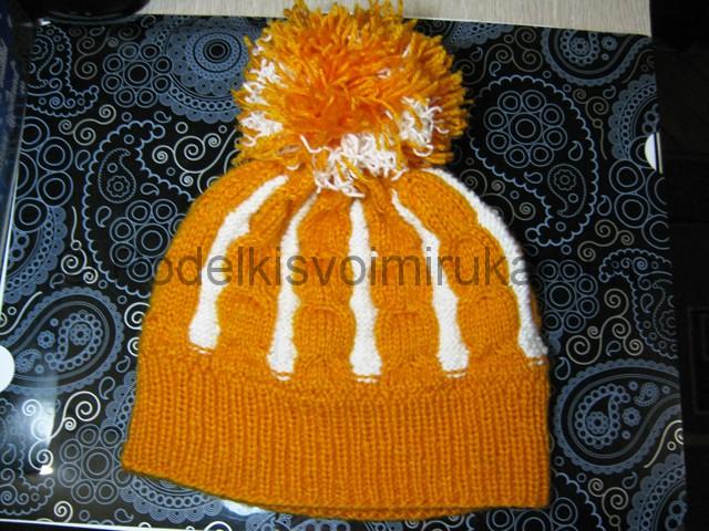 Как связать шапку с помпоном спицами. Фото 29.