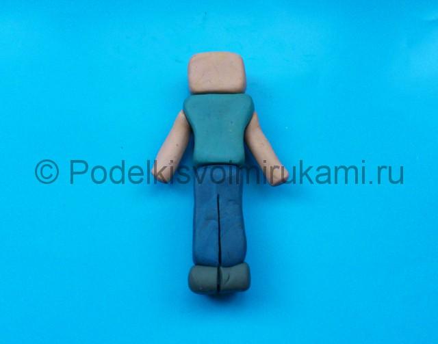 Лепка Стива из пластилина. Шаг №7.