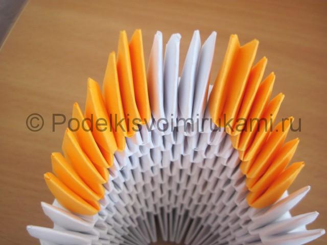Поделка лебедя оригами из бумаги. Фото 10.