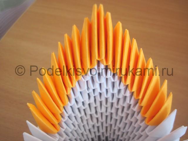 Поделка лебедя оригами из бумаги. Фото 11.