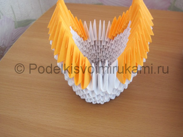 Поделка лебедя оригами из бумаги. Фото 12.