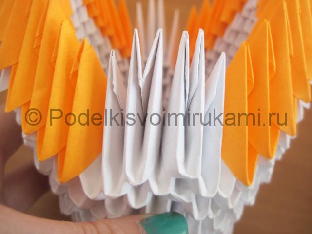 Поделка лебедя оригами из бумаги. Фото 13.