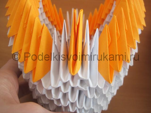 Поделка лебедя оригами из бумаги. Фото 14.