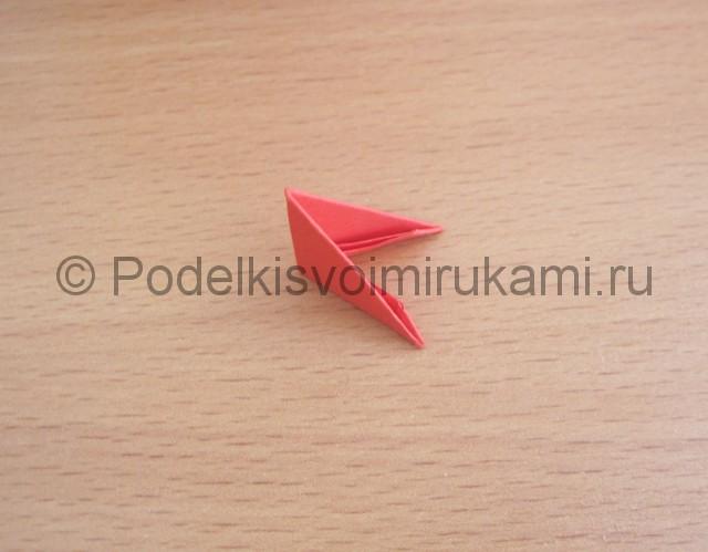 Поделка лебедя оригами из бумаги. Фото 17.