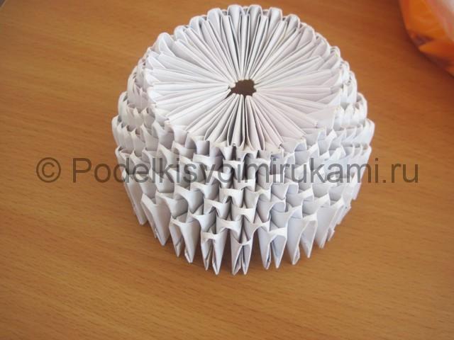 Поделка лебедя оригами из бумаги. Фото 6.
