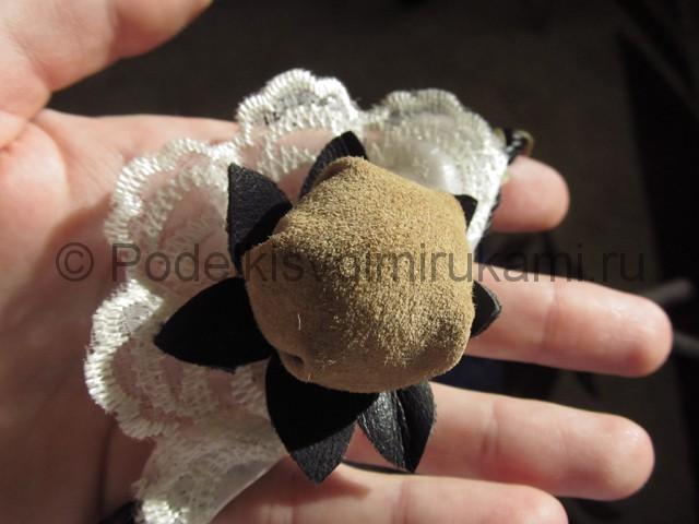 Оригинальное украшение-полоска для волос своими руками. Фото 16.