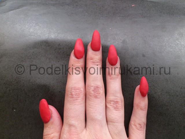 Как сделать ногти из пластилина. Шаг №6.