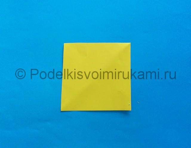 Карандаш из бумаги своими руками в технике оригами. Шаг №1.