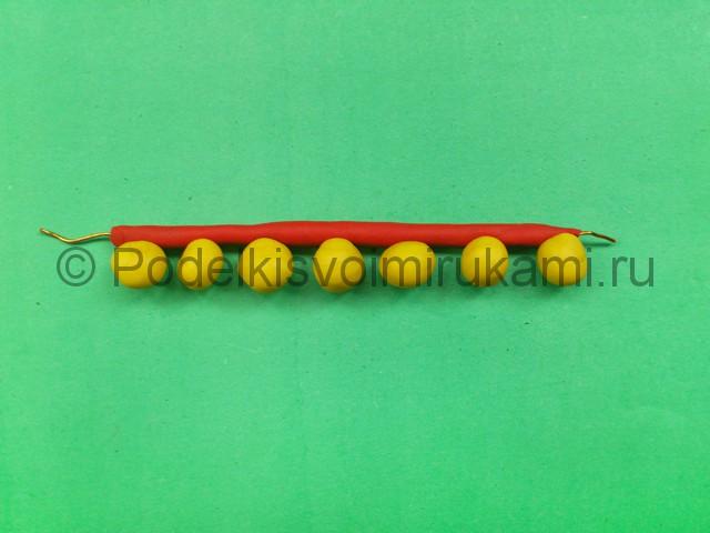 Украшения из пластилина. Урок лепки. Шаг №5.