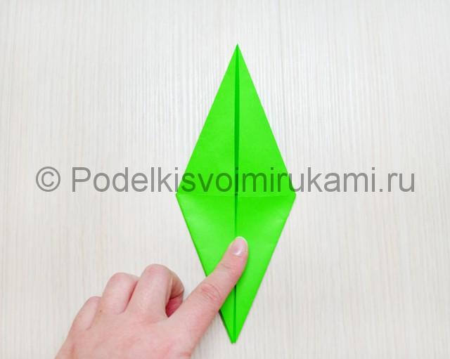 Как сделать дракона из бумаги. Фото 12.