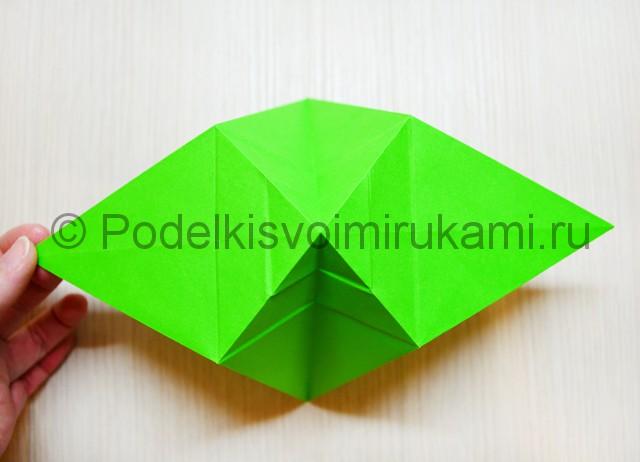 Как сделать дракона из бумаги. Фото 16.