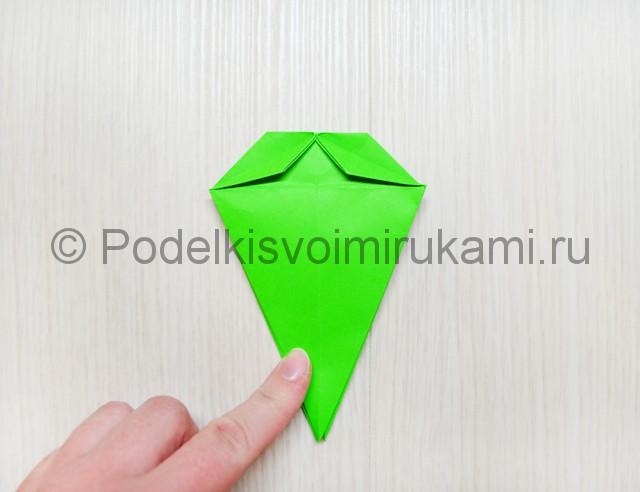 Как сделать дракона из бумаги. Фото 19.