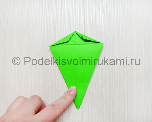Как сделать дракона из бумаги. Фото 20.