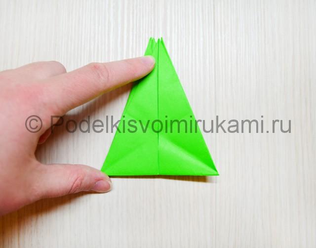 Как сделать дракона из бумаги. Фото 26.