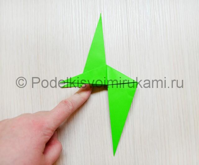 Как сделать дракона из бумаги. Фото 29.