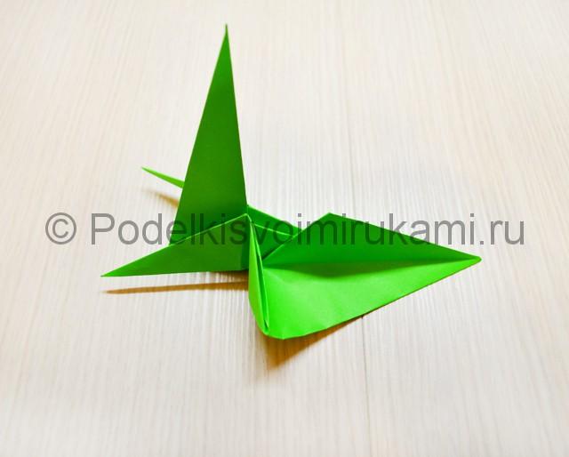 Как сделать дракона из бумаги. Фото 30.