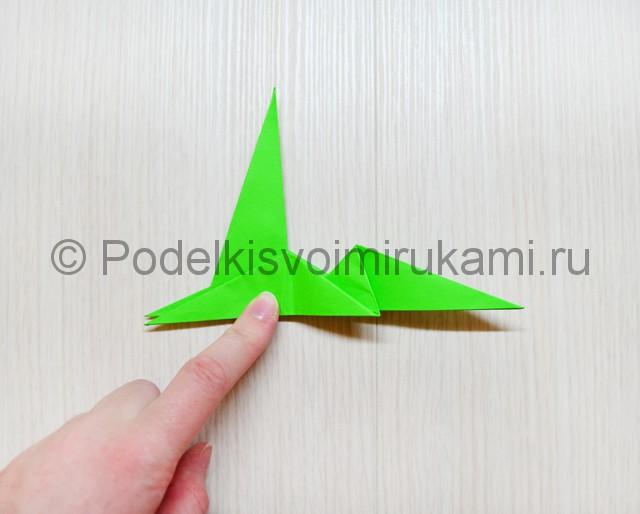 Как сделать дракона из бумаги. Фото 31.