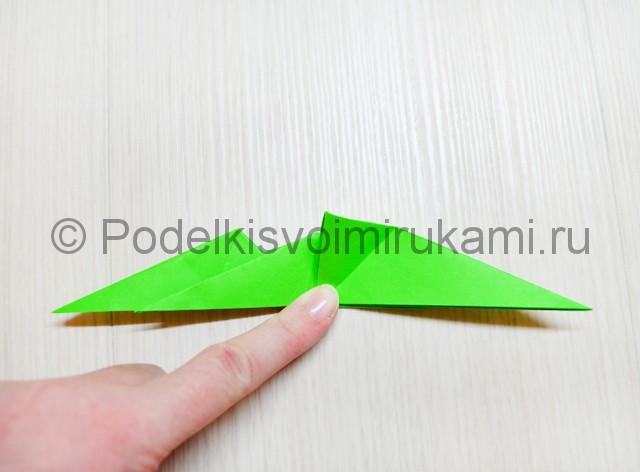 Как сделать дракона из бумаги. Фото 34.