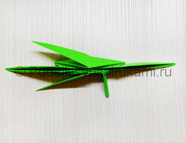 Как сделать дракона из бумаги. Фото 36.