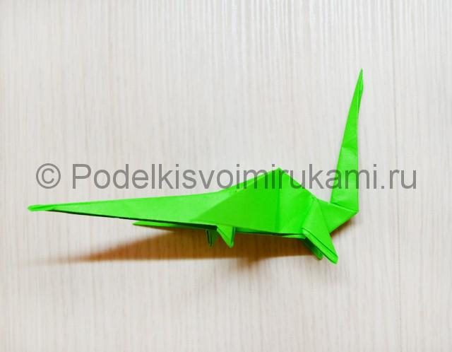 Как сделать дракона из бумаги. Фото 39.