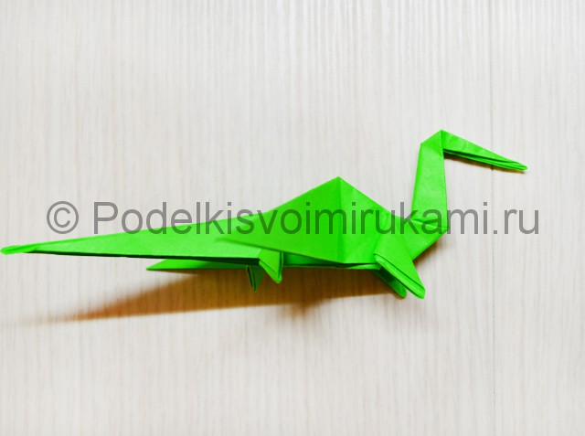 Как сделать дракона из бумаги. Фото 40.