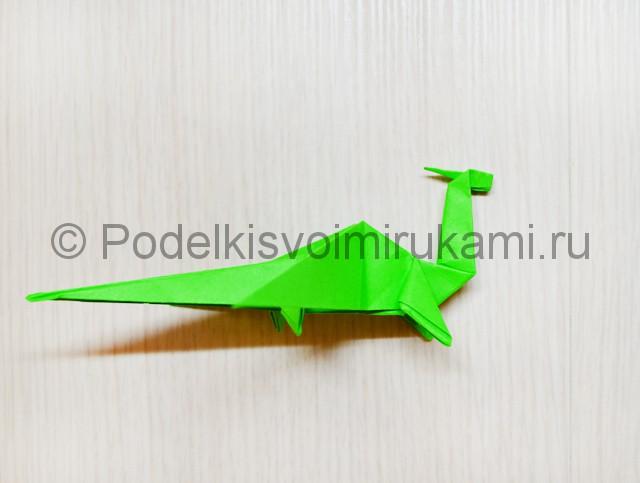 Как сделать дракона из бумаги. Фото 41.