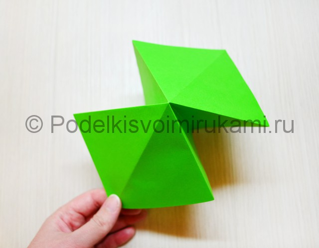 Как сделать дракона из бумаги. Фото 5.